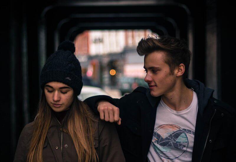 Čo robiť, ak chce byť s tebou len kamarát